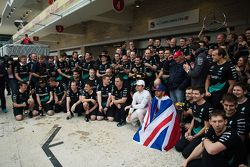 Race winner and World Champion Lewis Hamilton, Mercedes AMG F1 celebrates with second place Nico Rosberg, Mercedes AMG F1 and the team