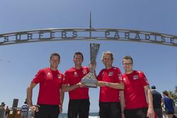 Ganadores de la Pirtek Endure Cup, Garth Tander y Warren Luff, Holden Racing Team, y los ganadores d