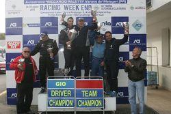 Podio: Giorgio Mondini, Eurointernational festeggia con la squadra la vittoria di Gara 2 e del campi