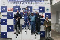 Podio Gara 1: il vincitore Danny Molinaro, Progetto Corsa, il secondo classificato Giorgio Mondini,