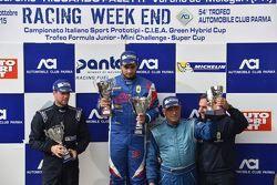 Podio Gara 1: il vincitore Danny Molinaro, Progetto Corsa, il secondo classificato Giorgio Mondini, Eurointernational, il terzo classificato Filippo Vita, Progetto Corsa