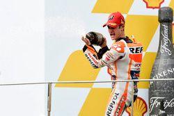 Подиум: победитель гонки - Дани Педроса, Repsol Honda Team