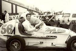 Mario Andretti a CNE Speedway a Toronto in una USAC midget