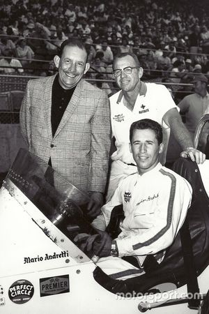 Mario Andretti at the start of the Hoosier Hundred with Al Dean and Clint Brawner
