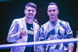 (I a D) Oribe Peralta jugador del equipo América de Futbol y Lewis Hamilton, Mercedes