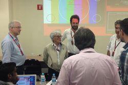 Bernie Ecclestone in sala stampa con i giornalisti