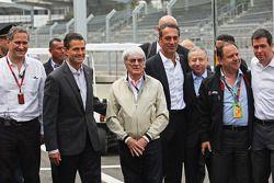 Enrique Pena Nieto, Mexican President with Bernie Ecclestone, Chairman of America Movil and Jean Todt, FIA President