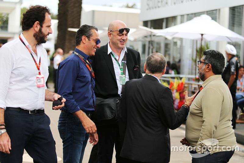 Matteo Bonciani, FIA Medya Delegesi ve Carlos Slim Domit, America Movil Başkanı ile Jean Todt, FIA B