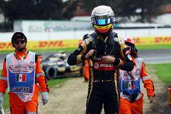 Romain Grosjean, Lotus F1 Team, à l'arrêt après un problème technique