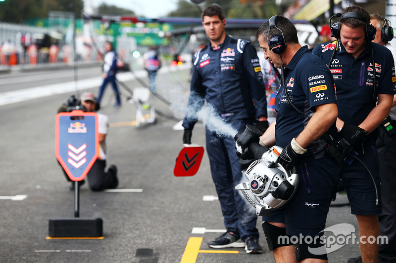 Red Bull Racing mechanics in the pits