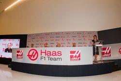 Carlos Slim, President of América Móvil, Esteban Gutiérrez, Haas F1 Team, Gene Haas, Owner of the team and Guenther Steiner, Team Director