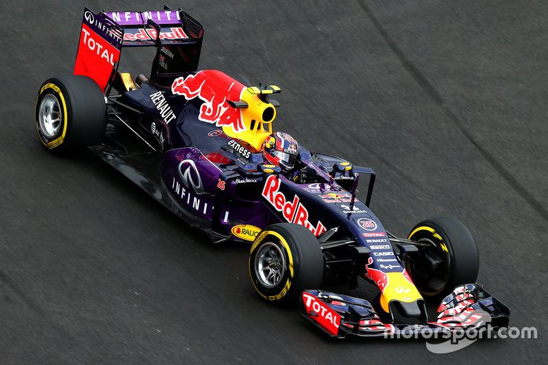 2015 год. За рулем болида Red Bull RB11 по ходу первой пятничной тренировки