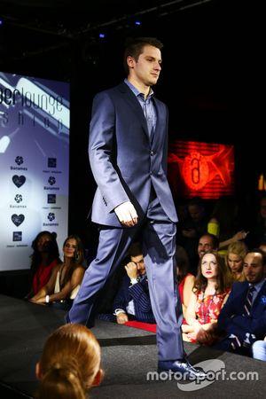 Jordan King, Pilote de développement Manor Marussia F1 Team à l'Amber Lounge Fashion Show