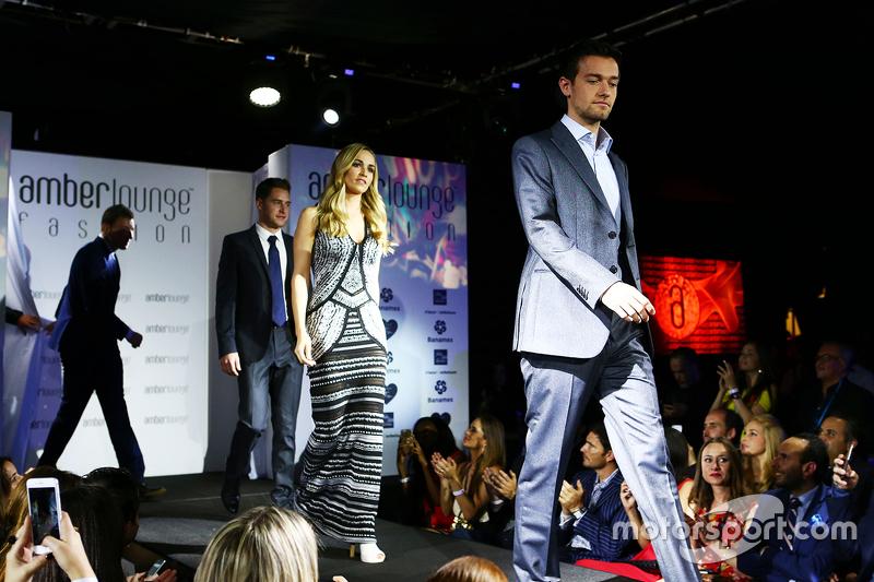 Jolyon Palmer, Lotus F1 y Carmen Jordá, Lotus F1 Team en el Amber Lounge Fashion Show