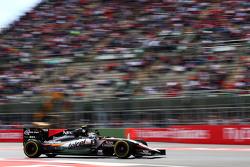Sergio Perez, Sahara Force India F1 VJM08 wuift naar het publiek