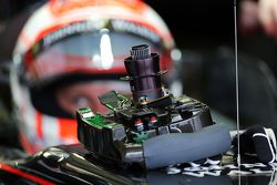 Jenson Button, McLaren MP4-30 - steering wheel