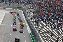Start: Cole Custer, JR Motorsports Chevrolet leads