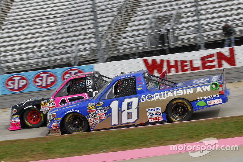 Ross Kenseth, Hattori Racing Enterprises and Cameron Hayley, ThorSport Racing Toyota