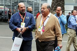 Carlos Slim (à direita)