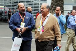 Carlos Slim, zakenman (rechts)