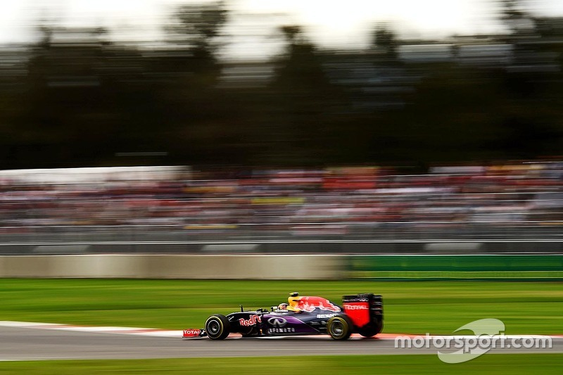 2015 год. За рулем болида Red Bull RB11 по ходу субботней тренировки