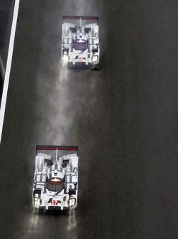 #17 Porsche Team Porsche 919 Hybrid: Timo Bernhard, Mark Webber, Brendon Hartley y el #18 Porsche Te