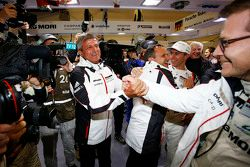 Фритц Энзингер, глава отдела LMP1 Porsche Team с Андреасом Сейдлом, Team Principal Porsche Team