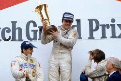 Подиум: победитель Гран При Нидерландов Алан Джонс, Williams, второе место – Джоди Шектер, Ferrari, третье место – Жак Лаффит, Ligier