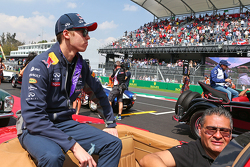 Daniil Kvyat, Red Bull Racing on the drivers parade.
