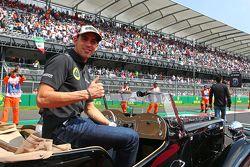 Pastor Maldonado, Lotus F1 Team en el desfile de pilotos.