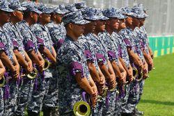 فرقة موسيقية عسكرية على شبكة الإنطلاق