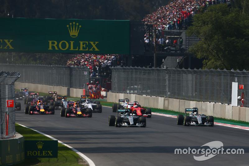 За четыре прошедших года Формула 1 изменилась не слишком сильно. В 2015-м пара Mercedes столь же легко, как сейчас, уезжала от Red Bull и Ferrari, не говоря уж про всех остальных