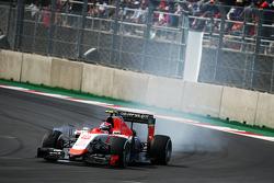 Alexander Rossi, Manor Marussia F1 Team blokkeert de banden tijdens het remmen