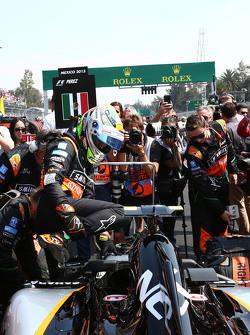 Sergio Perez, Sahara Force India F1 VJM08 op de grid