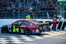 Il vincitore Jeff Gordon, Hendrick Motorsports Chevrolet