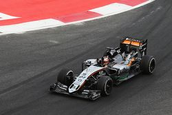 Nico Hulkenberg, Sahara Force India F1 VJM08 salue le public à la fin de la course