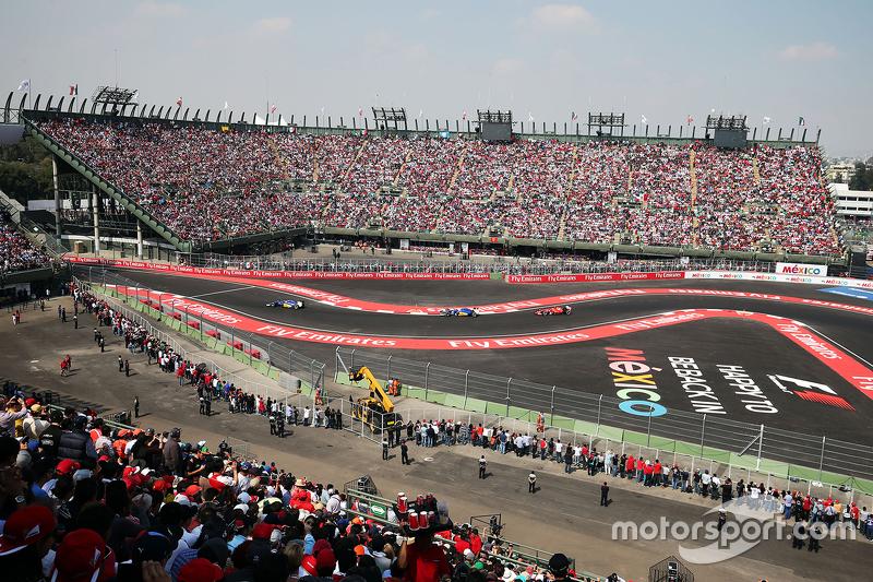 Arquibancada do estádio é um dos destaques do novo autódromo