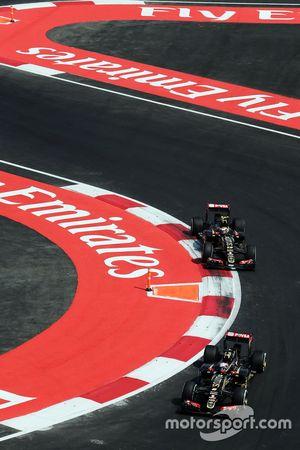 Romain Grosjean, Lotus F1 E23 lidera a su compañero de equipo Pastor Maldonado, Lotus F1 E23