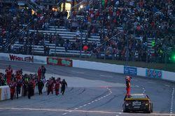 Winnar Jeff Gordon, Hendrick Motorsports Chevrolet