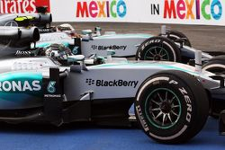Race winner Nico Rosberg, Mercedes AMG F1 W06 and second placed team mate Lewis Hamilton, Mercedes AMG F1 W06 in parc ferme