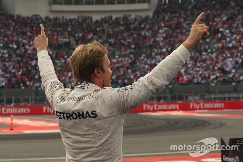 Nico Rosberg festeja vitória no Hermanos Rodriguez