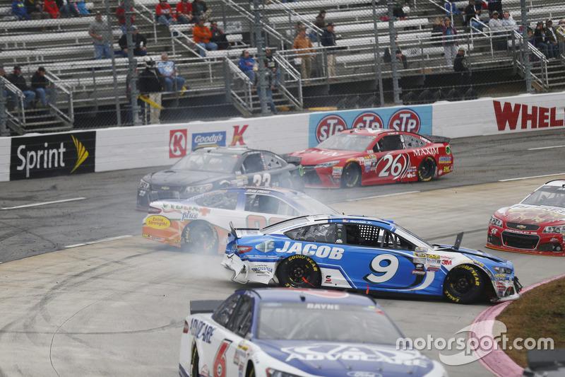 Sam Hornish Jr., Richard Petty Motorsports Ford and Ryan Preece, Premium Motorsports Ford