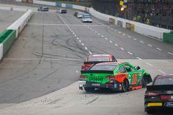 David Gilliland, Front Row Motorsports Ford en Danica Patrick, Stewart-Haas Racing Chevrolet