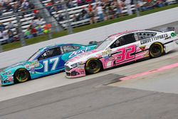 Ricky Stenhouse Jr., Roush Fenway Racing Ford en Kyle Fowler, Go FAS Racing Ford