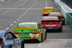 Kyle Busch, Joe Gibbs Racing Toyota and Jamie McMurray, Chip Ganassi Racing Chevrolet