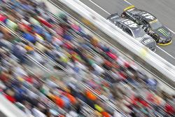 Jimmie Johnson, Hendrick Motorsports Chevrolet et Kurt Busch, Stewart-Haas Racing Chevrolet