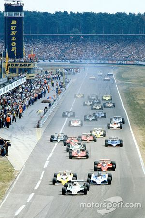 Start zum GP Deutschland 1979 in Hockenheim: Alan Jones, Williams FW07, führt