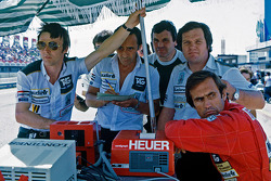 Patrick Head, Alan Jones and Carlos Reutemann, Williams