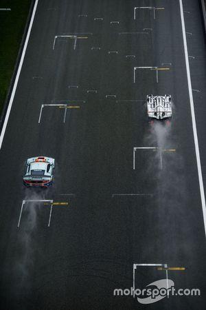 #96 Aston Martin Racing Aston Martin Vantage GTE: Francesco Castellacci, Stuart Hall, Liam Griffin a