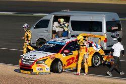Tom Coronel, ROAL Motorsport Chevrolet Cruze, e Nicolas Lapierre, Lada Sport Rosneft Lada Vesta